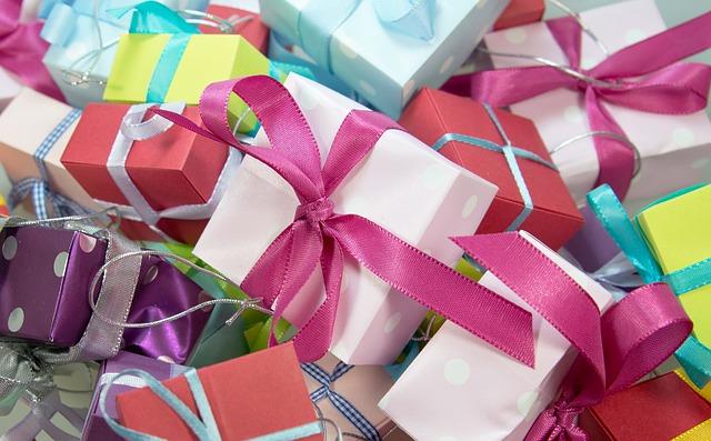 Échanger des petits cadeaux quand vous le pouvez