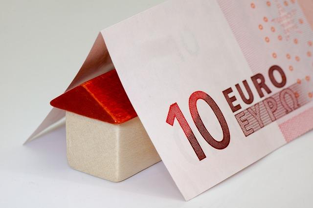 Pour les parents séparés qui élèvent des enfants entre deux maisons, le suivi des dépenses de garde partagée est essentielle à la stabilité financière au sein de chaque maison.