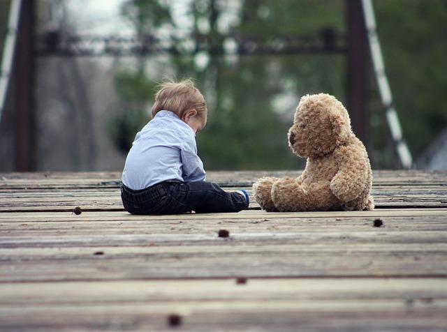 Le doudou de l'enfant est le compagnon idéal pour son développement personnel. Il va l'aider à grandir et l'accompagner dans les moments au sein de la famille et à l'extérieur du cocon familial.