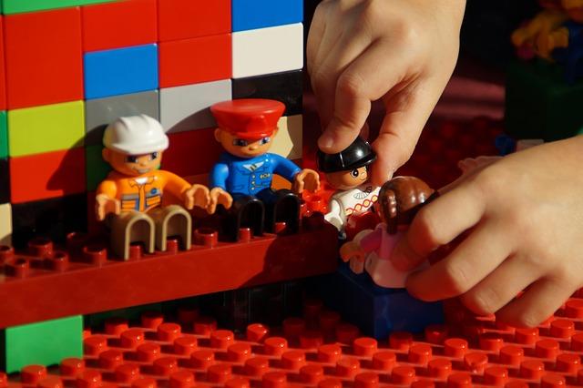 Qu'ils soient petits ou grands, ranger ses jouets une première étape dans l'apprentissage du quotidien, découvrez quelques astuces.